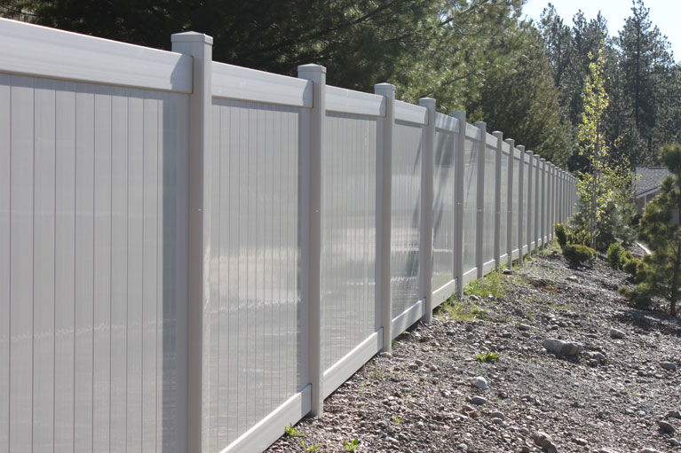 Pines Springs - Vinyl Fence
