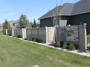 Granite Hill Vinyl Fence