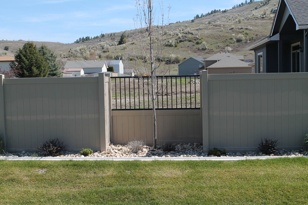 Vinyl Fence with Iron Bars