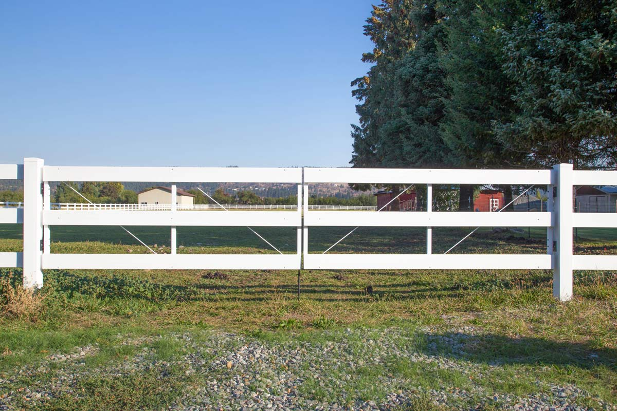 Vinyl Pasture Gate | Northwest Fence Company